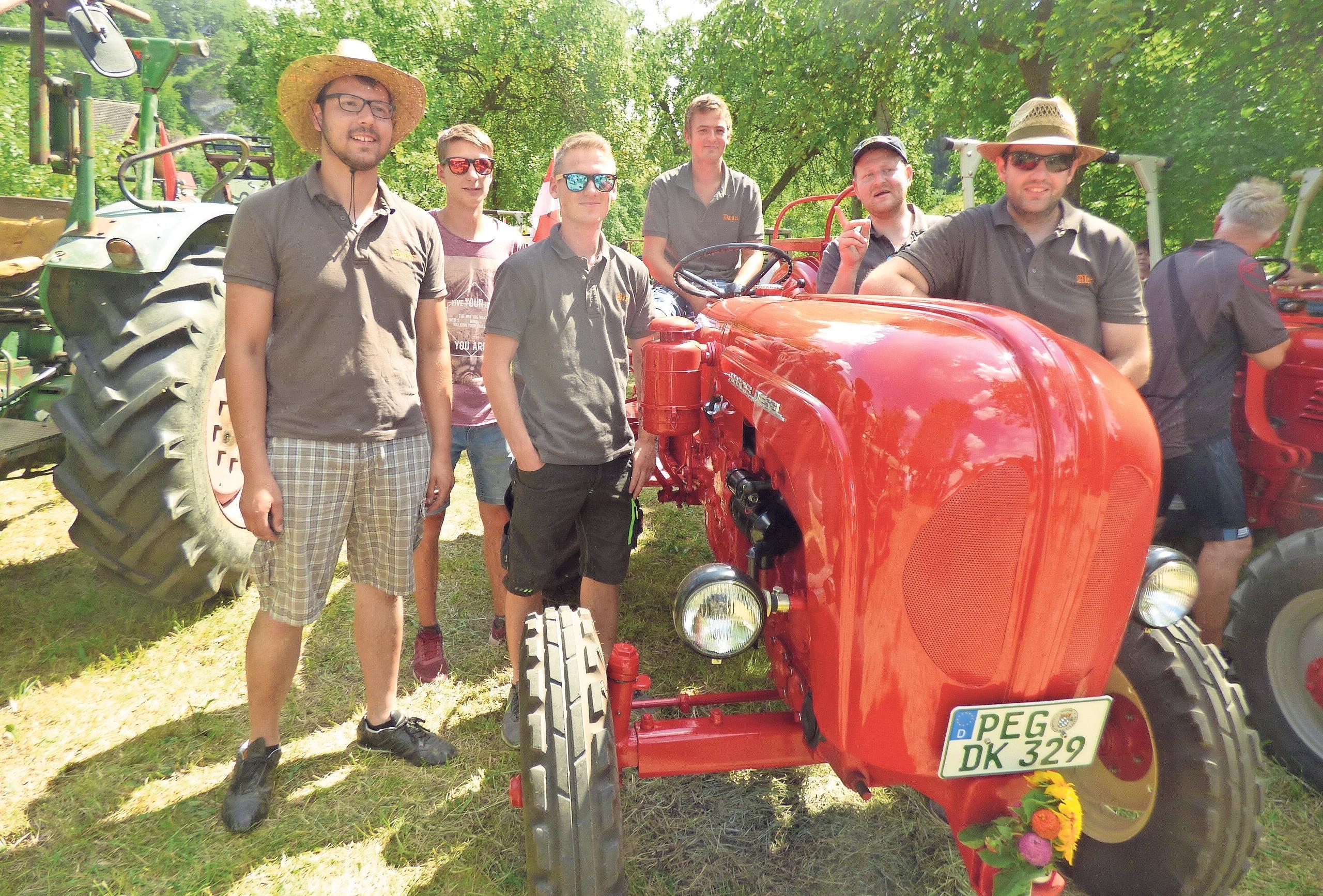 Der Bulldog-Stammtisch Kühlenfels war im letzten Jahr die stärkste Teilnehmergruppe mit 15 Traktoren. Fotos: Archiv Thomas Weichert