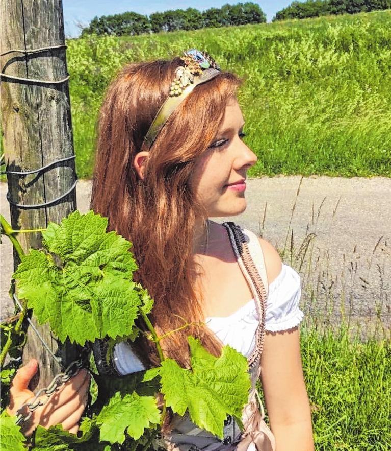 Die Iphöfer Weinprinzessin Valentina I. blickt voller Vorfreude auf das Iphöfer Winzerfest.