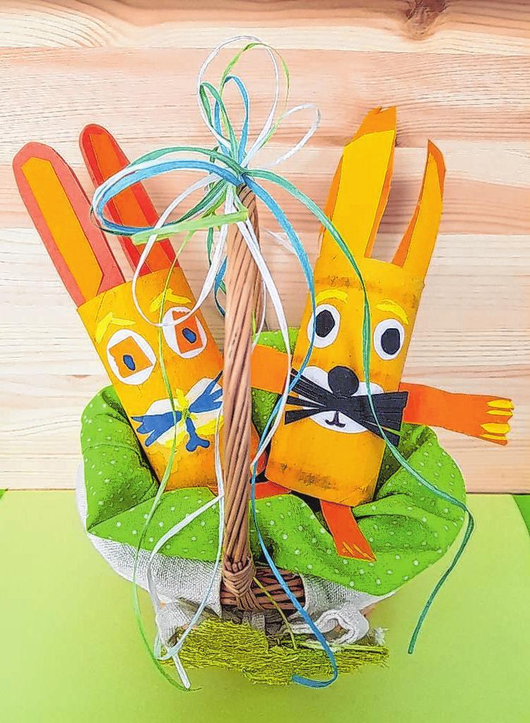 Osterhasen sind auch ein beliebtes Motiv für große und kleine Bastler. Und dann können sie dekorativ für ein paar Tage die Wohnung schmücken. Foto: Kerstin Mäurer