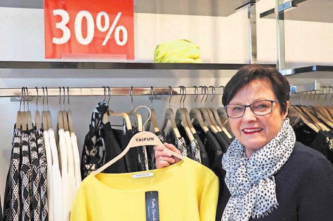 Mode für jeden Anlass, sowohl sportlich als auch elegant, finden die Kunden in großer Auswahl im Modehaus Dietz in Marktredwitz, Markt 42. Foto: Monika Dürrbeck