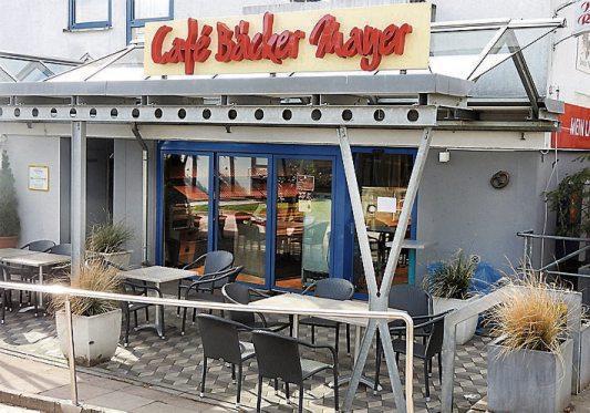 In der neuen Filiale von Café Bäcker Mayer in der Tübinger Hartmeyerstraße trifft man sich gern– auch im Straßencafé