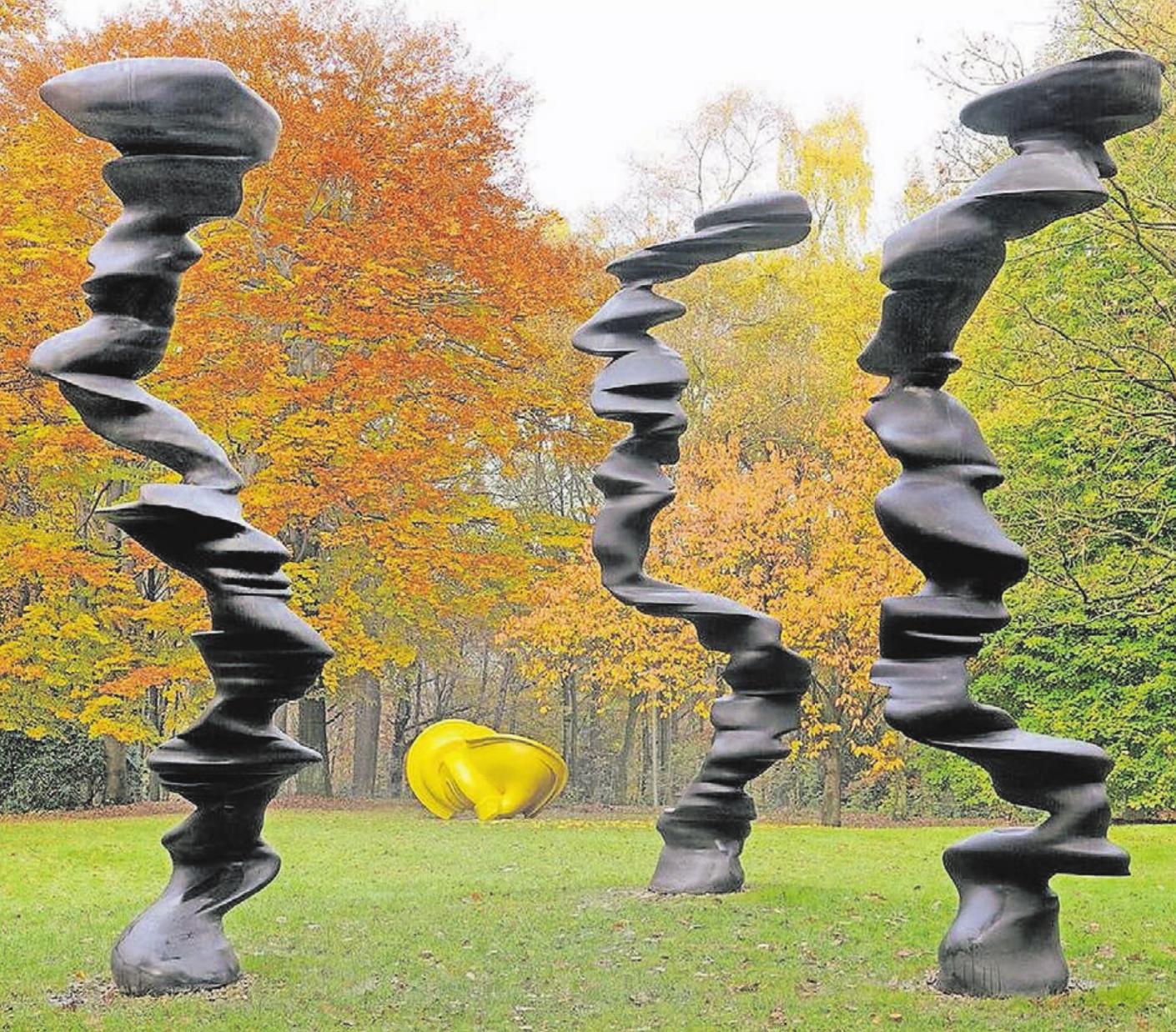 Der Skulpturenpark von Tony Cragg hat Wuppertals Ruf als international renommierte Kunststadt weiter gefestigt. Der Besuch einer Tanzvorstellung des Ensembles von Pina Bausch oder einer der Ausstellungen im Von der Heydt-Museum sind ebenfalls sehr gefragt.