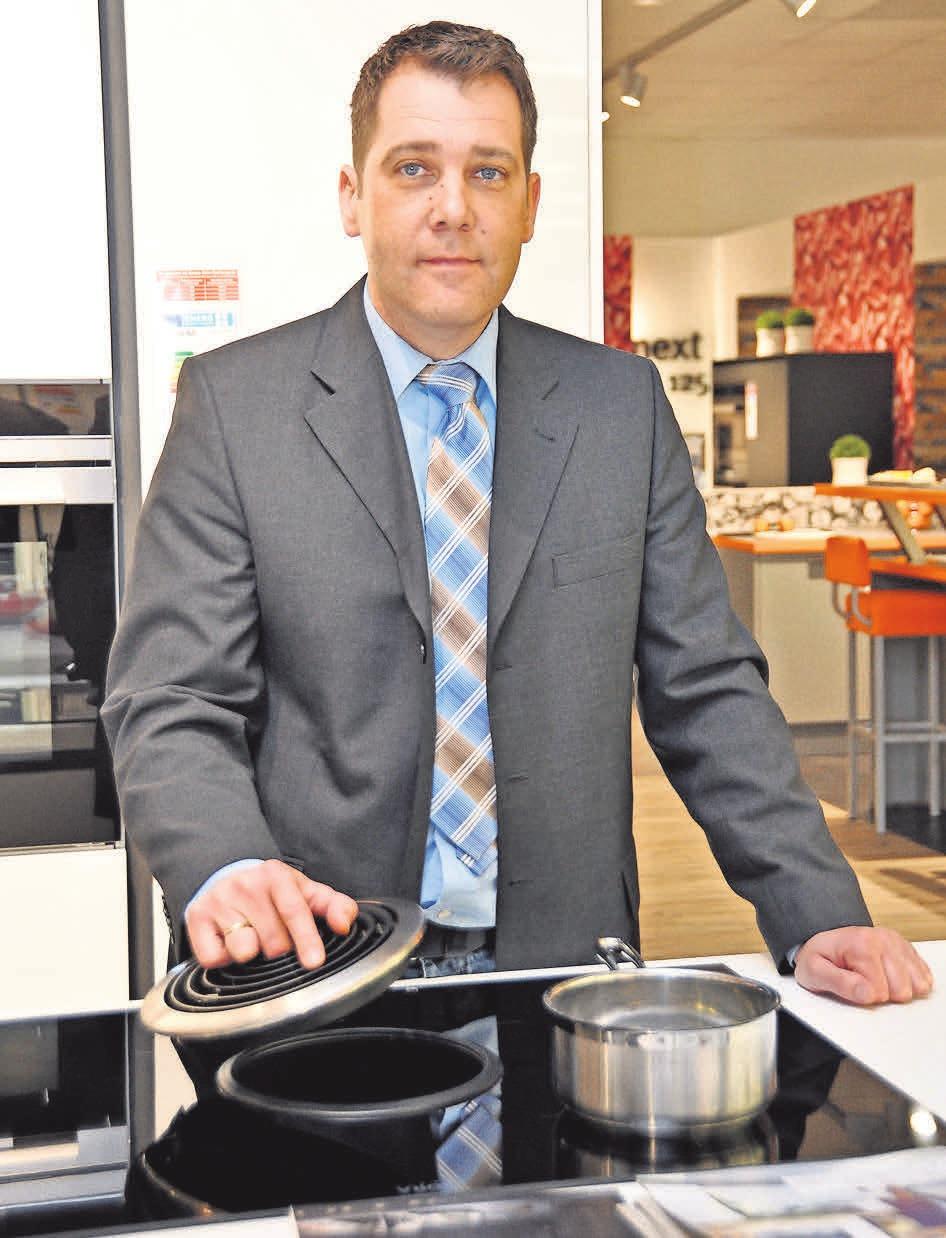 Andreas Rönsch, Chef des gleichnamigen Küchenlandes, empfiehlt doppelte Prüfung aller Zahlungsvorgänge, um sich vor Betrügern zu schützen.