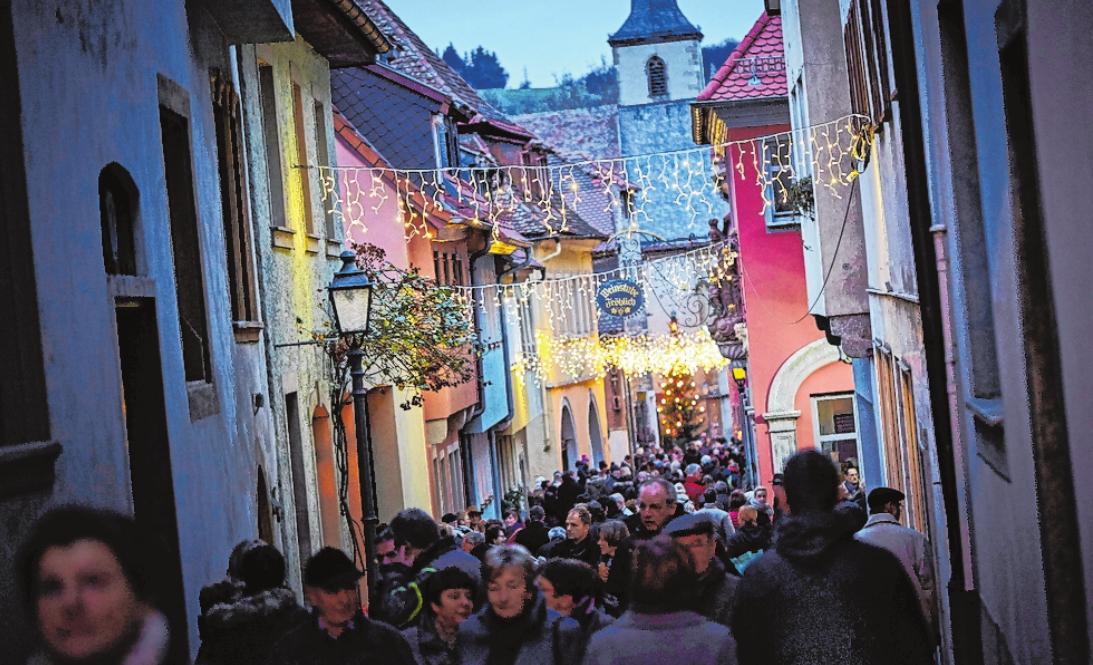 An diesem Wochenende verwandelt sich Ochsenfurt jeweils ab 14 Uhr wieder in ein Lichtermeer. FOTO: STADT OCHSENFURT