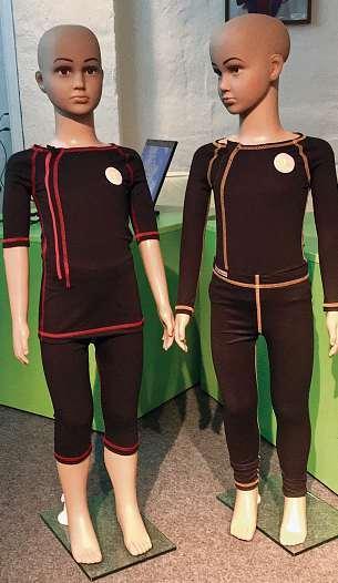 Die auf Maß gefertigten OT-Kiel SoftOrthesen begleiten die Therapie neuroorthopädischer Bewegungs- und Haltungsstörungen. FOTO: HFR