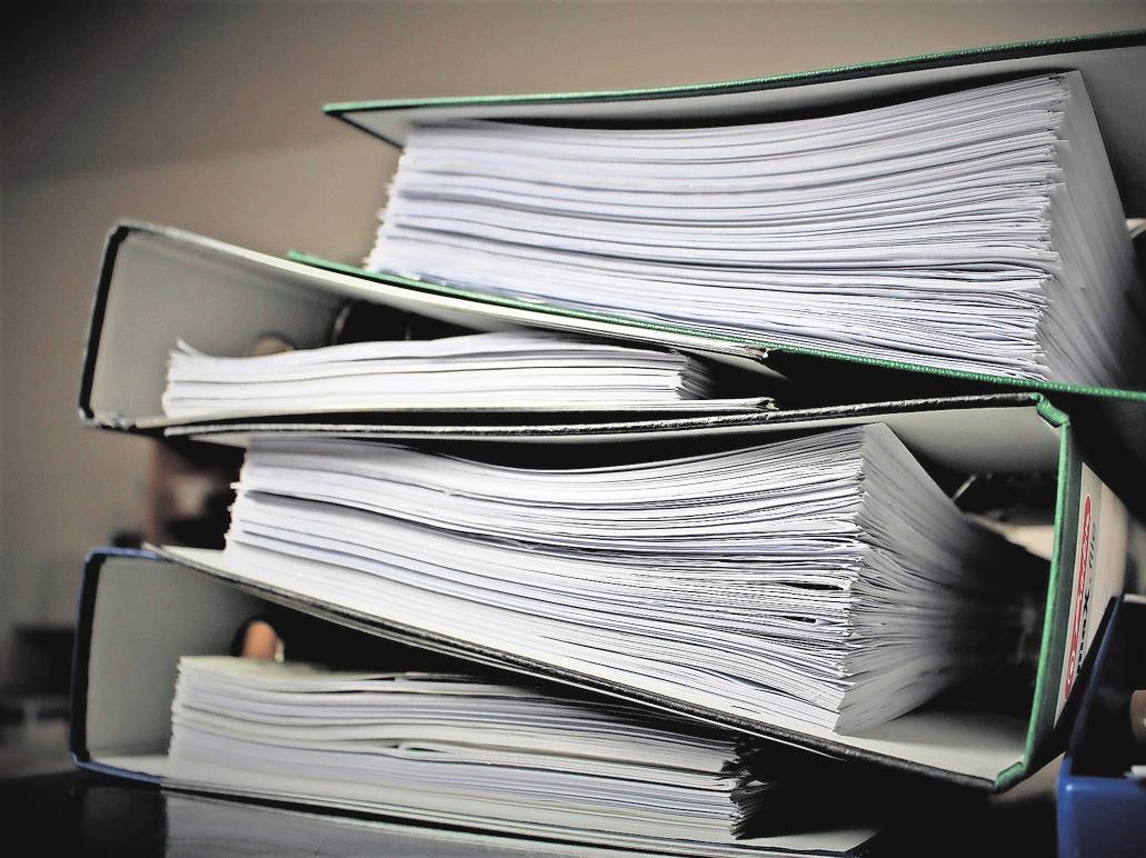 Kann das weg? Manche Menschen trauen sich kaum, Unterlagen wie alte Kontoauszüge zu entsorgen. FOTO:PIXABAY