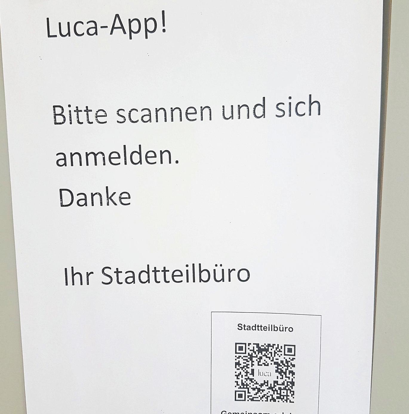 """Die """"Luca""""-App wird auch im Stadtteilbüro eingesetzt."""