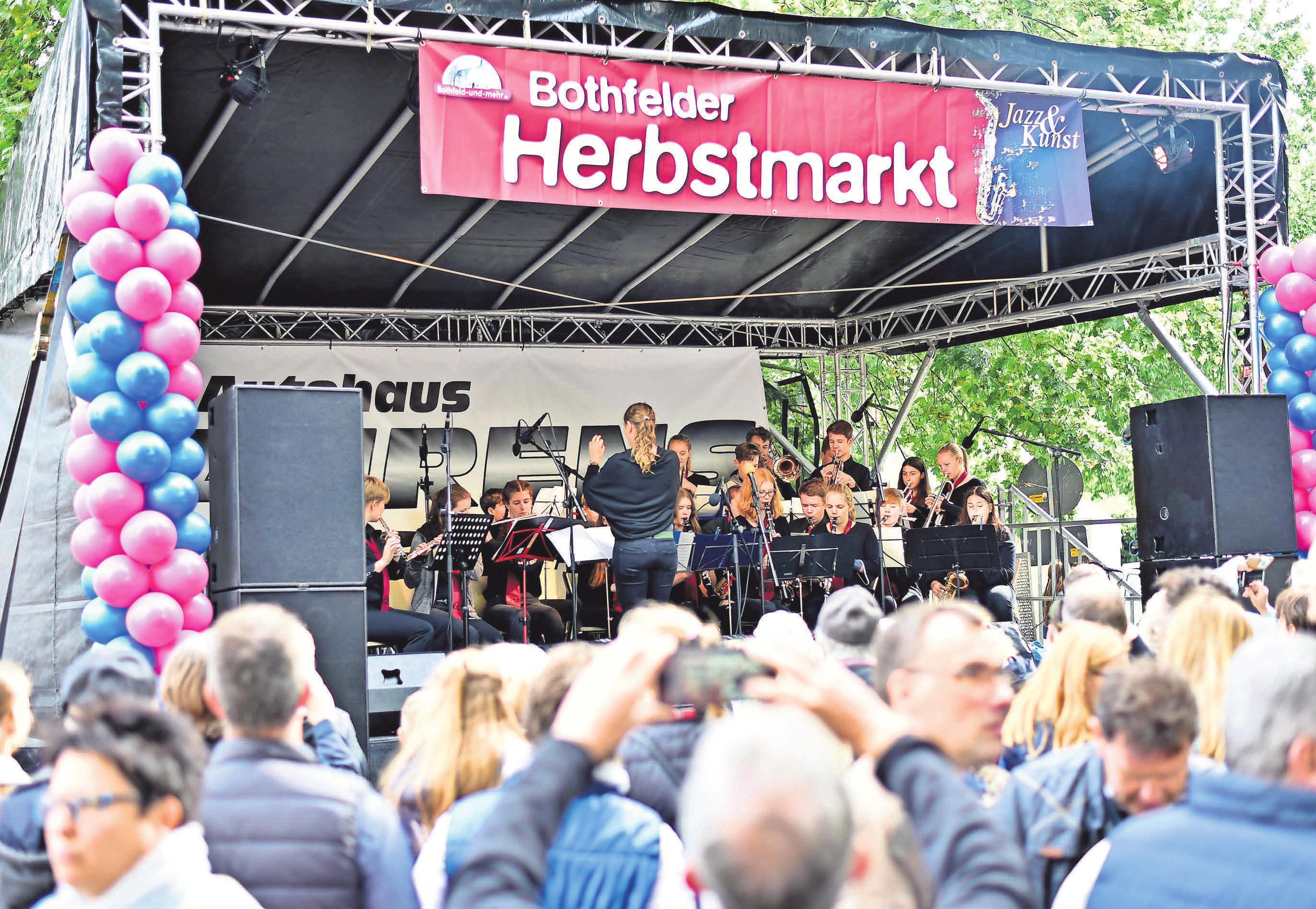 Musik liegt in der Luft: Auf der Kurze- Kamp-Straße und im Einkaufspark Klein-Buchholz stehen am 21. und 22. September ein Dutzend Bands auf der Bühne.