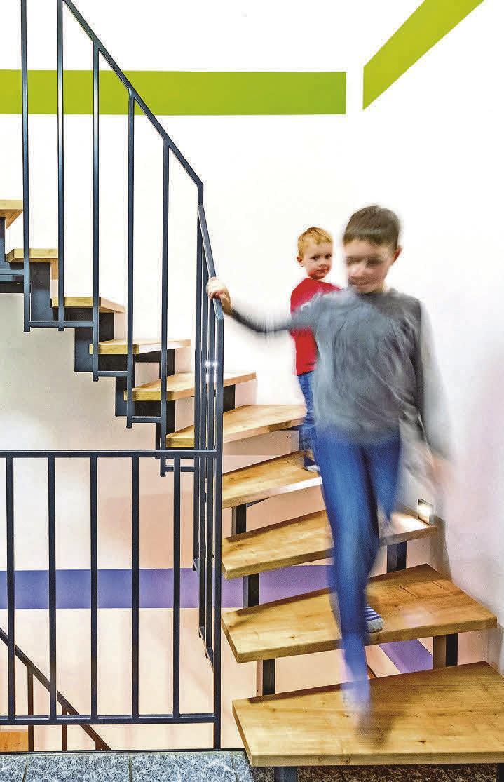 Zweiholm-, Harfen- und Metallwangentreppen verfügen über eine Stahlkonstruktion. Deshalb lassen sich die Stufen ruck, zuck austauschen.