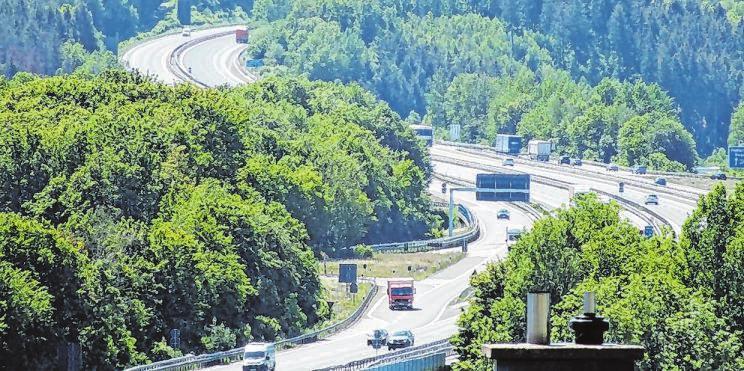 Die beiden Autobahnen sorgen für eine gute Verkehrsanbindung nicht nur der unmittelbar angrenzenden Gewerbegebiete.