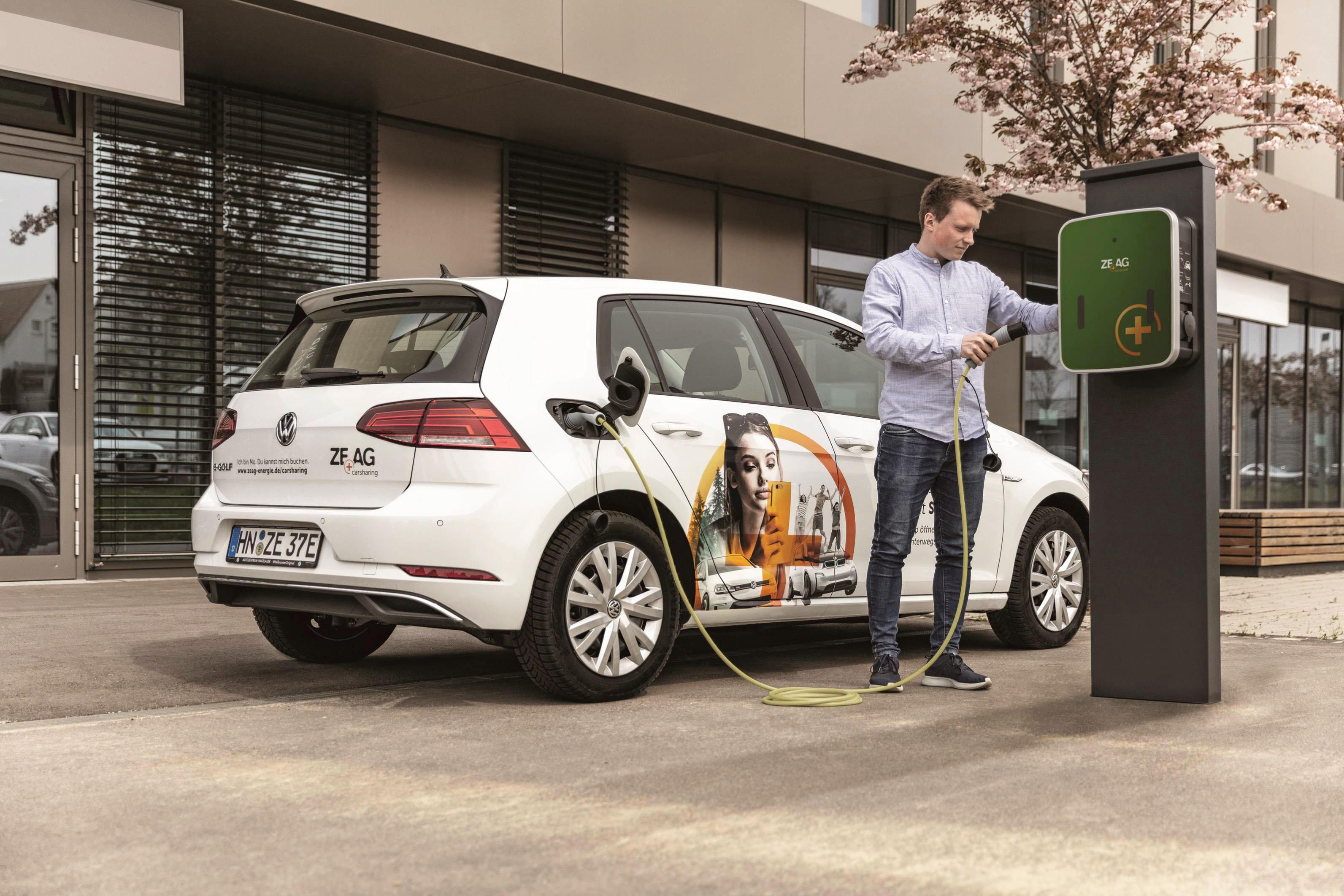 Mit einem Elektrofahrzeug unterwegs zu sein macht Spaß und ist einfacher, als man denkt. Das Zeag-Carsharing bietet die Möglichkeit, dies zu testen. Foto: Zeag