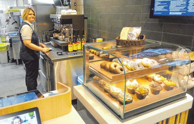 """Neu: die """"American Bakery"""" für den süßen Gaumen und die Siebträger-Kaffeemaschine FOTOS: SCHWARZ"""