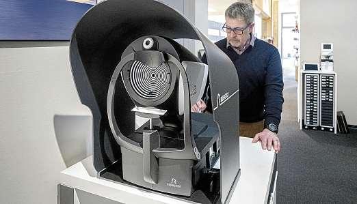 DNEye® Scanner 2 von Rodenstock: Erfolgskonzept für besseres Sehen bei BLICKPUNKT in Kiel. FOTO: FRANK PETER