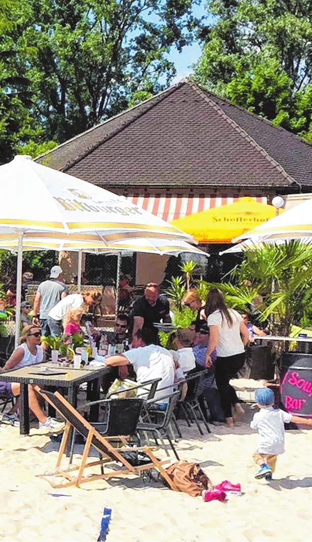 Den Tag können Besucher bei Strandambiente im Soulfood Café gemütlich ausklingen lassen.