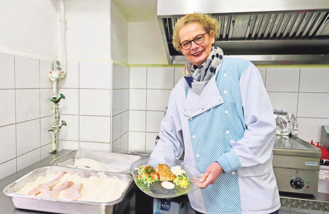 In Thürnau's Fischhalle gibt es dienstags bis samstags köstliche Fischgerichte aus der heißen Theke, frischen Fisch zur Zubereitung in der eigenen Küche – und jede Menge Rezepttipps.