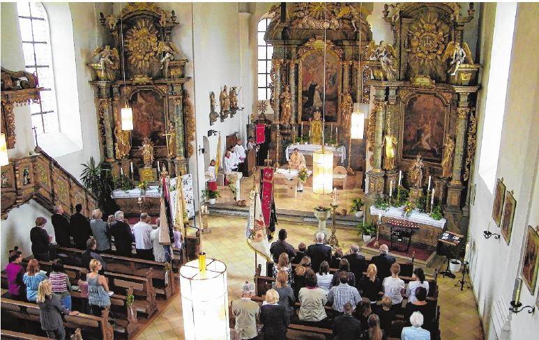 Blick ins Kircheninnere FOTO: MARIA EGGLSEDER