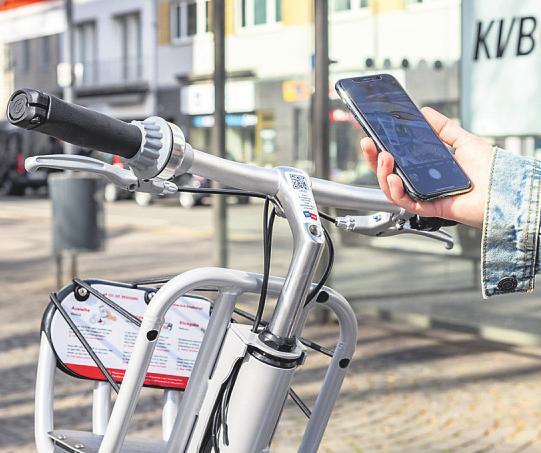 Die Fahrräder können jederzeit unkompliziert mit dem Smartphone direkt vor Ort ausgeliehen werden