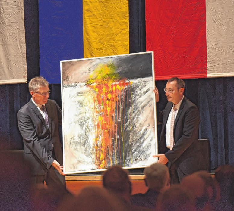 Teil zwei des Abschiedsgeschenks der Gemeinde Aalen: Das Gemälde hatte sich Rentschler für sein Büro im Rathaus ausgesucht.