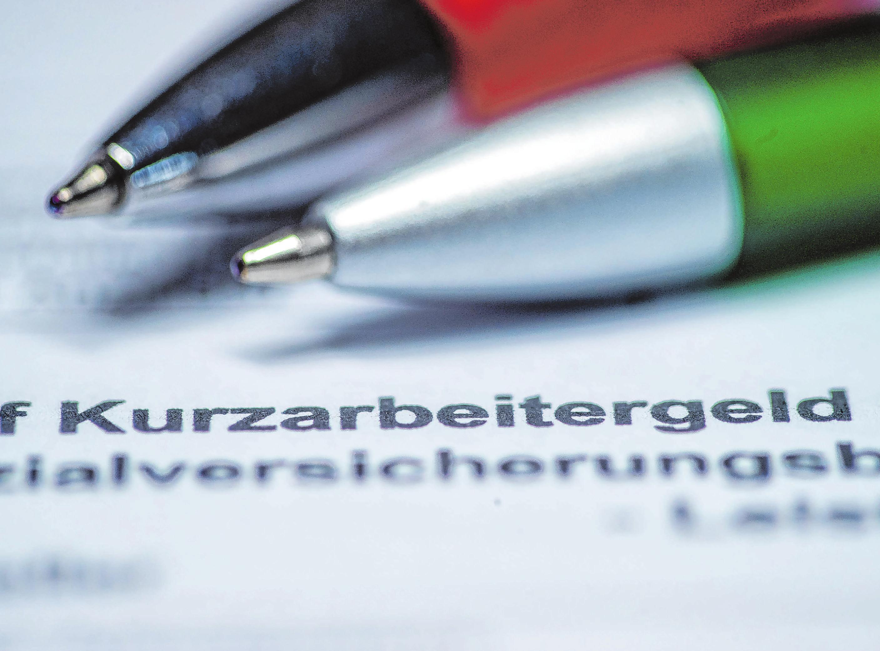 Wer damit rechnet, bald Kurzarbeitergeld zu beziehen, sollte überprüfen, ob sich ein Steuerklassenwechsel für ihn lohnt. Foto: Jens Büttner/dpa-Zentralbild/dpa-mag