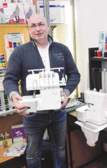 Nähprofi Fred Lange bietet eine Overlock-Nähmaschine zu einem Schnäppchenpreis an