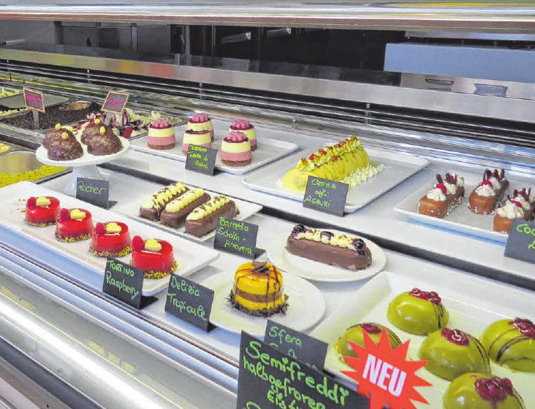 Neben Eis gibt es nun auch Semifreddi im Caffe La Piazza. FOTO: CHRISTINE MARTIN