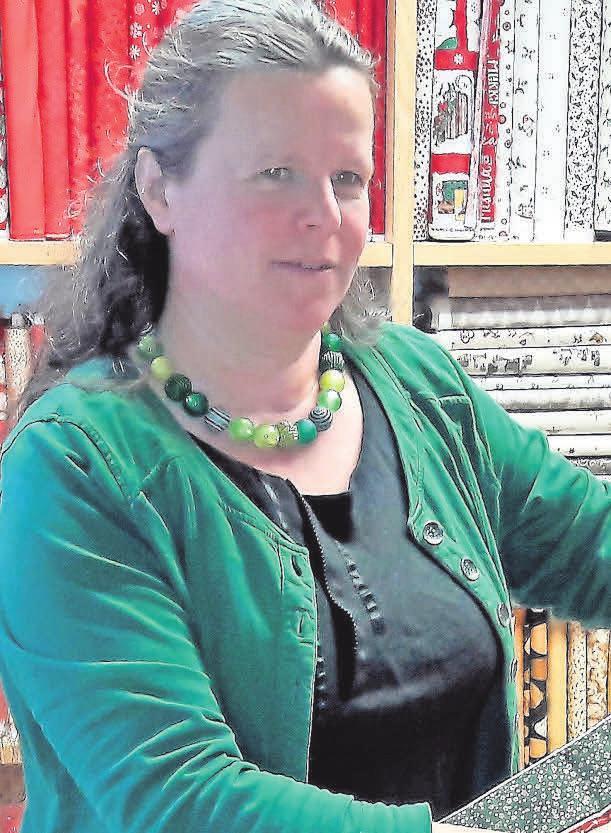 """Auch die Patchworkdiele ist weiterhin für ihre Kunden da. """"Handarbeiten tut der Seele gut"""", sagt Inhaberin Anke Kleuker."""