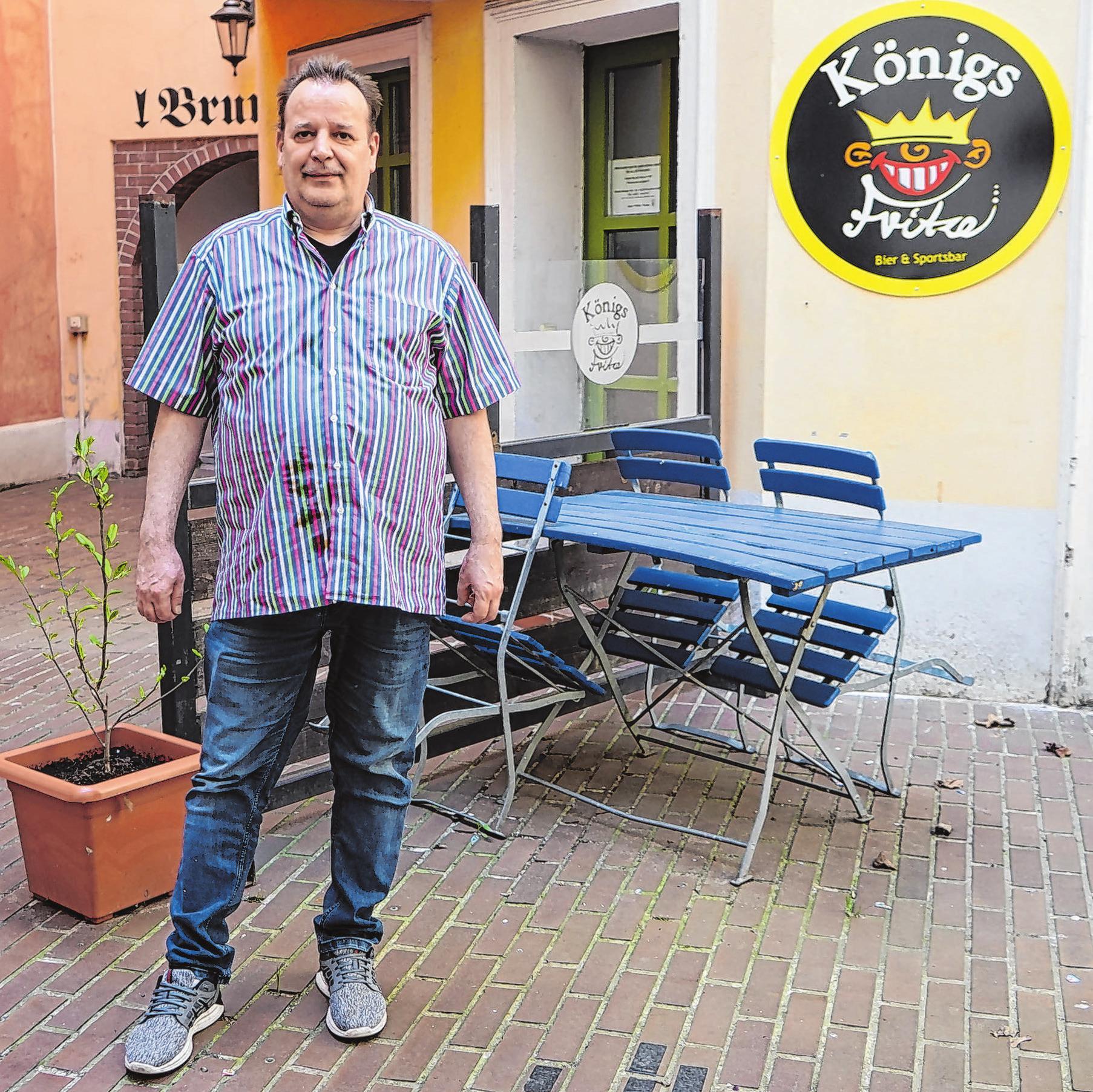 """Frank Nagel lässt zur Zeit das Nebenzimmer seiner Gaststätte """"Königs Fritze"""" umbauen. Die Arbeiten waren schon seit längerer Zeit geplant."""