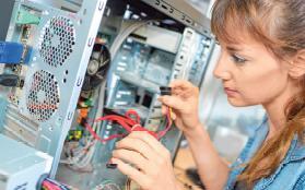 Fachinformatiker Systemintegration sind vor allem in Betrieben mit größeren EDV-Anlagen gefragt. FOTO: COLOURBOX