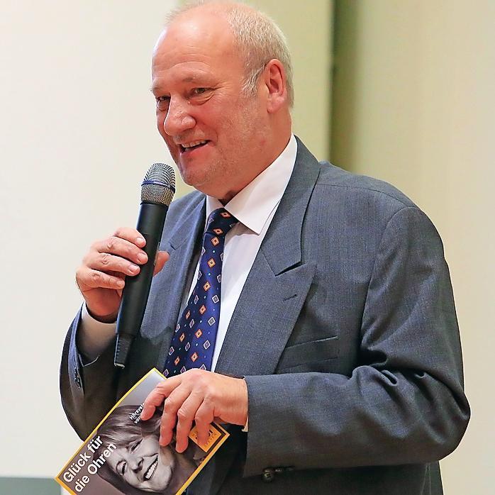 Mit Leib und Seele beim Mozartchor: der Erste Vorsitzende Jürgen Dedek.
