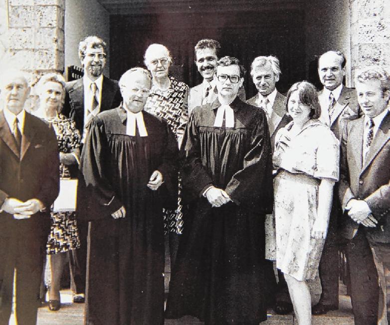 Eine Erinnerung an die Einführung von Pfarrer Leinberger im Jahre 1977. Fotos: Jörg Wahl