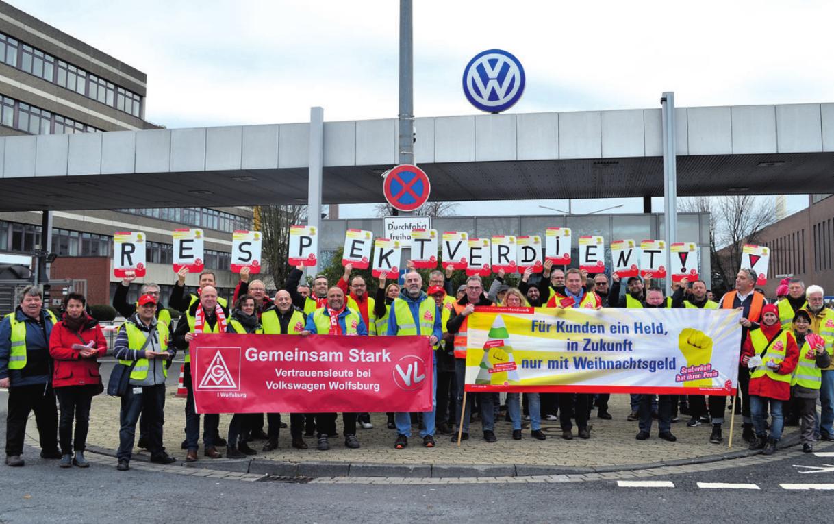 Im Dezember letzten Jahres veranstalteten die Gebäudereiniger von Volkswagen eine Warnaktion, in der sie die Aufnahme von Tarifverhandlungen für ein Weihnachtsgeld forderten. Archivfoto: nd