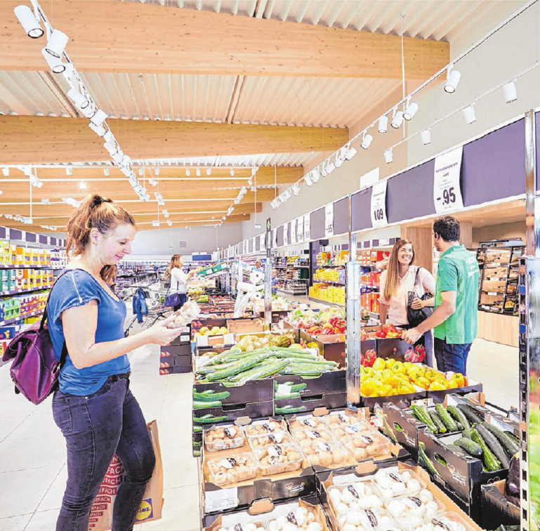 Das Angebot an frischem Obst und Gemüse ist groß. 120 verschiedene Sorten stehen zur Auswahl.