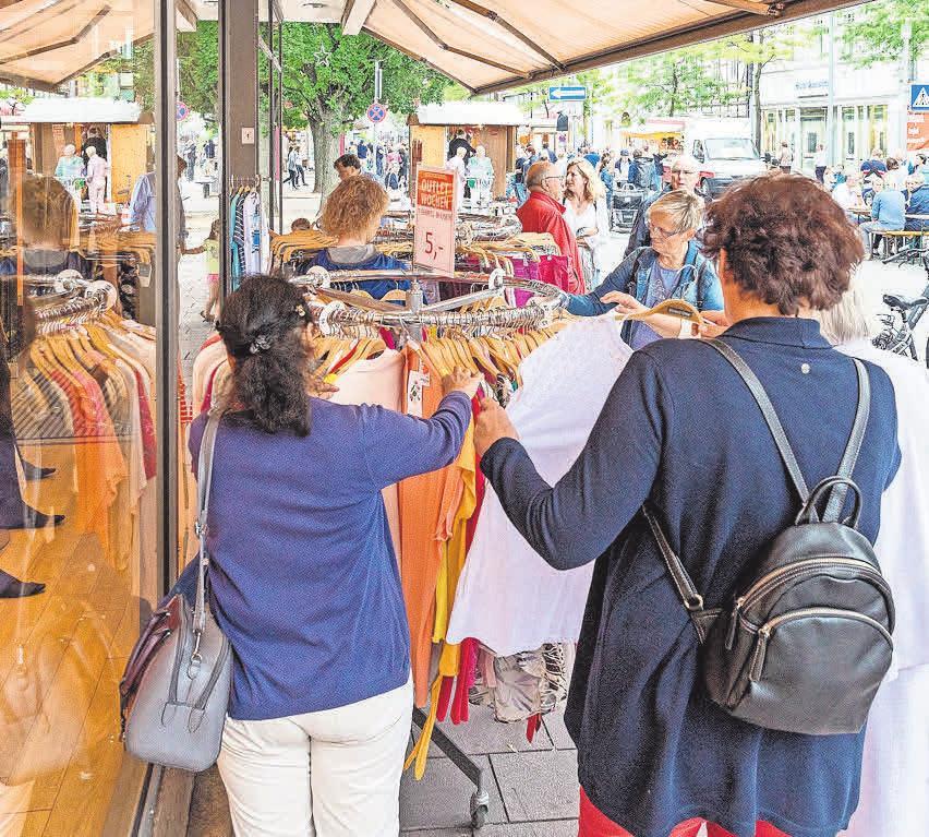 Ob Schnäppchen oder neue Mode: Beim Verkaufsoffenen Sonntag in Burgdorf wird beides geboten.
