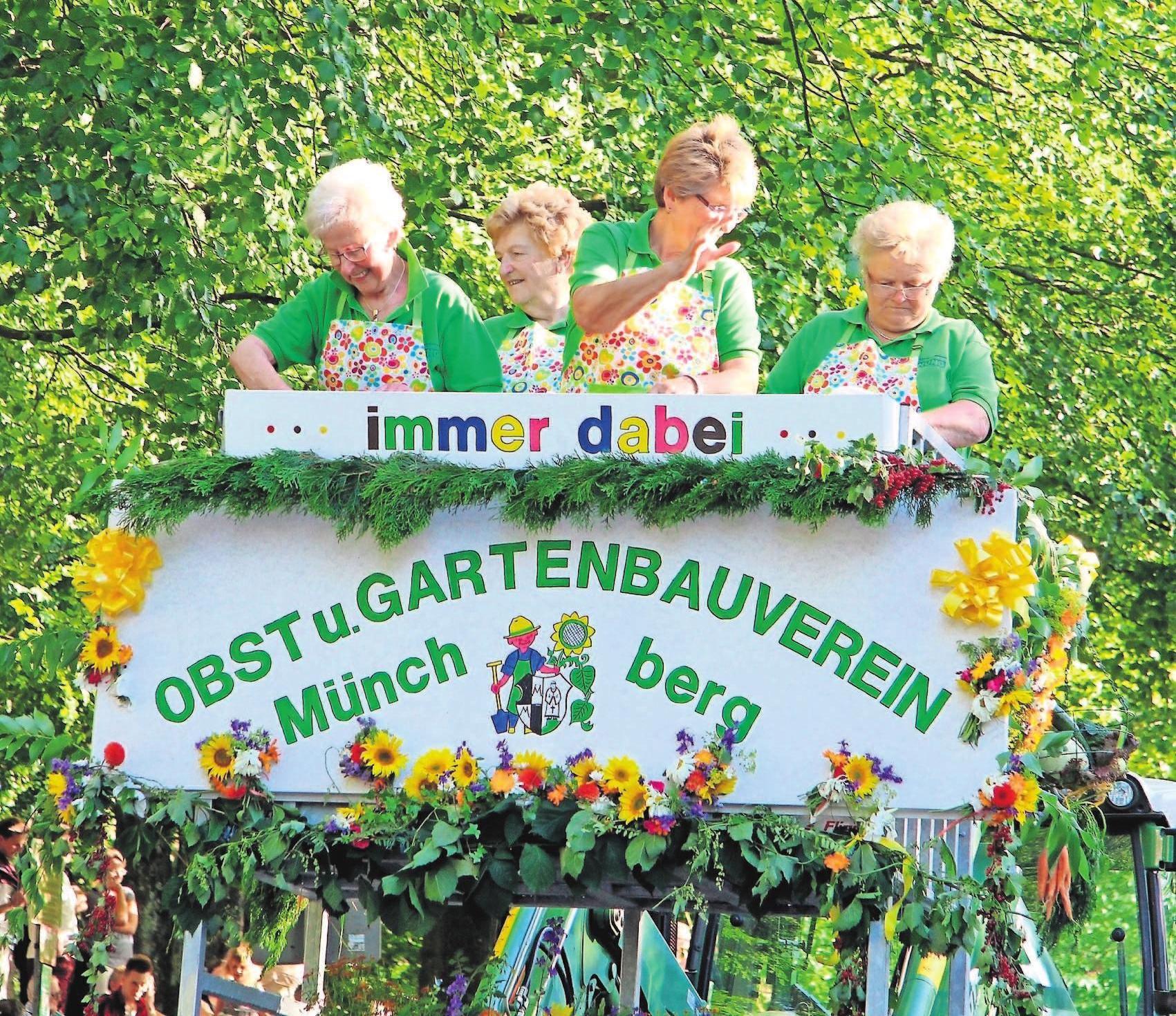 Rund 1800 Teilnehmer sind beim Festzug der Vereine am Samstag am Start – einer der Höhepunkte des Münchberger Wiesenfestes.