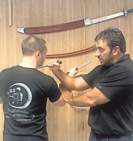 RS-Selbstverteidigung – hier lernen Interessierte ab dem Grundschulalter eine besondere Form der Kampfkunst kennen.