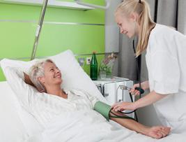 Das aufmerksame Personal der Park-Klinik ist für die Patientinnen und Patienten da.