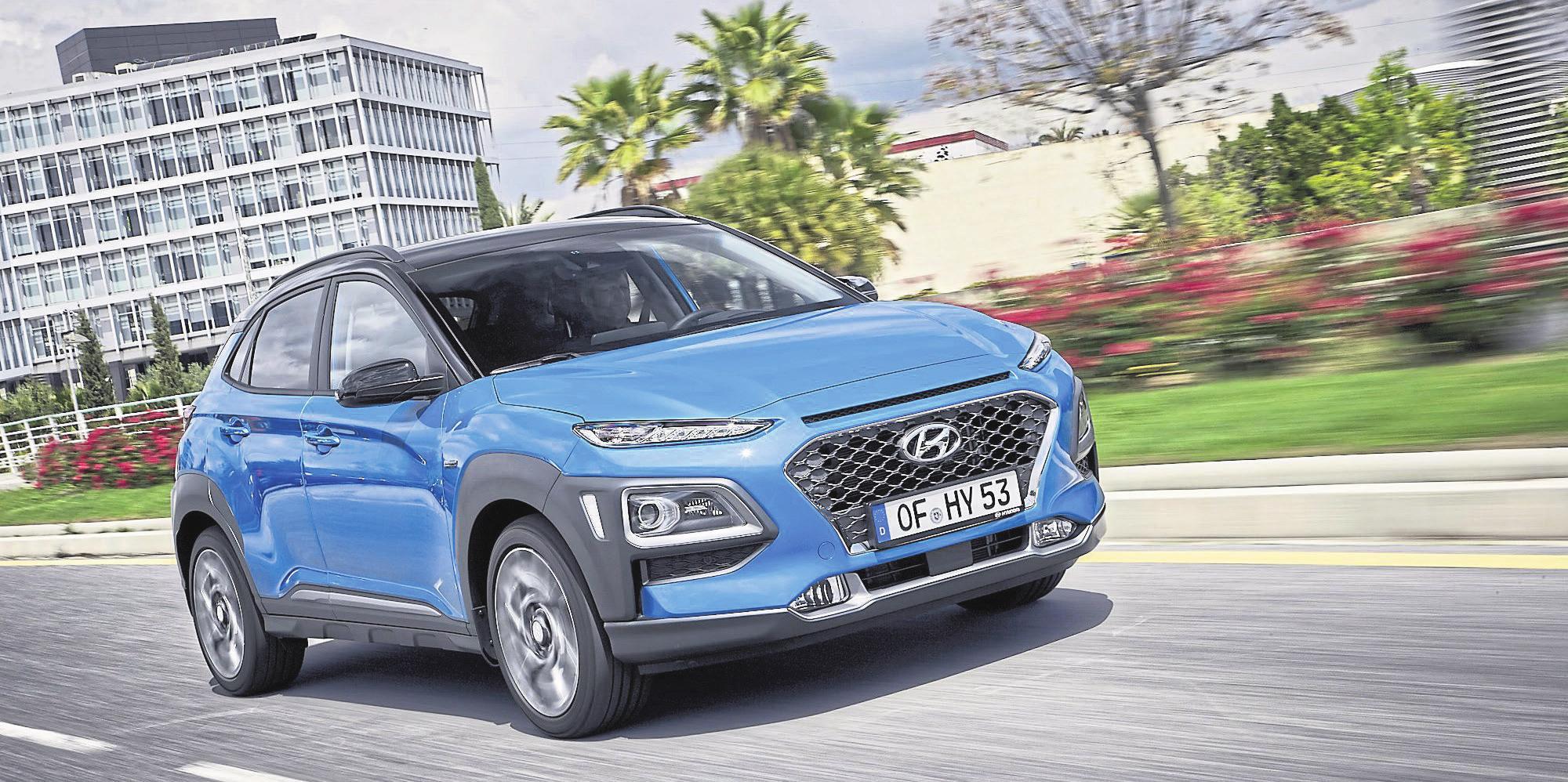 Einstieg nach Maß: Das kleinste Hyundai-SUV punktet mit hoher Flexibilität, Charme und einem enorm praktischen Format. Verbrauch (l/100 km) kombiniert: 4,3-6,3 CO-Emissionen (g/km): 113-144 Preis: ab 17.990 Euro, lt. Angaben des Herstellers