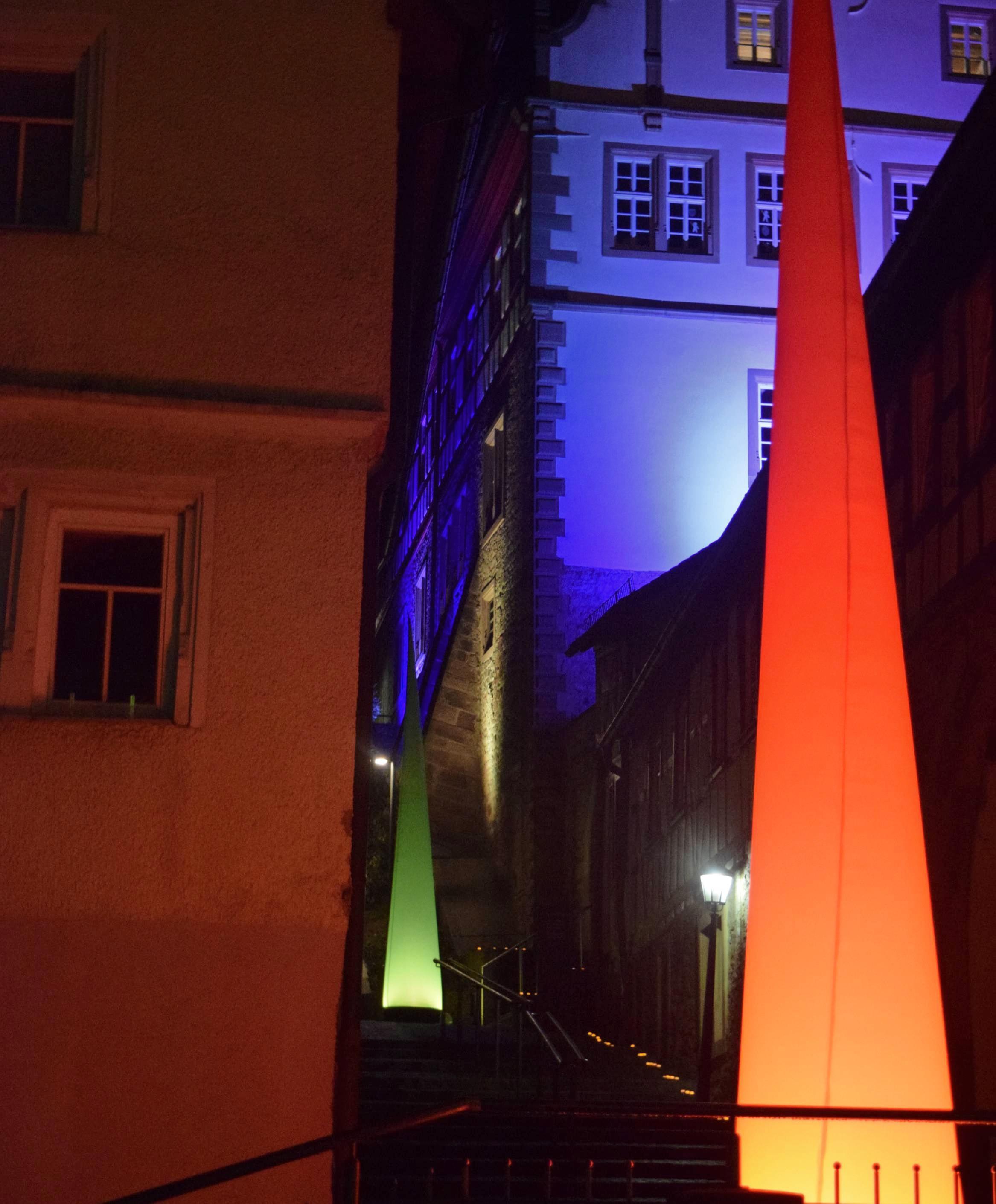 Romantisch beleuchtet, wartet das Greckenschloss auf Besucher. Foto: privat