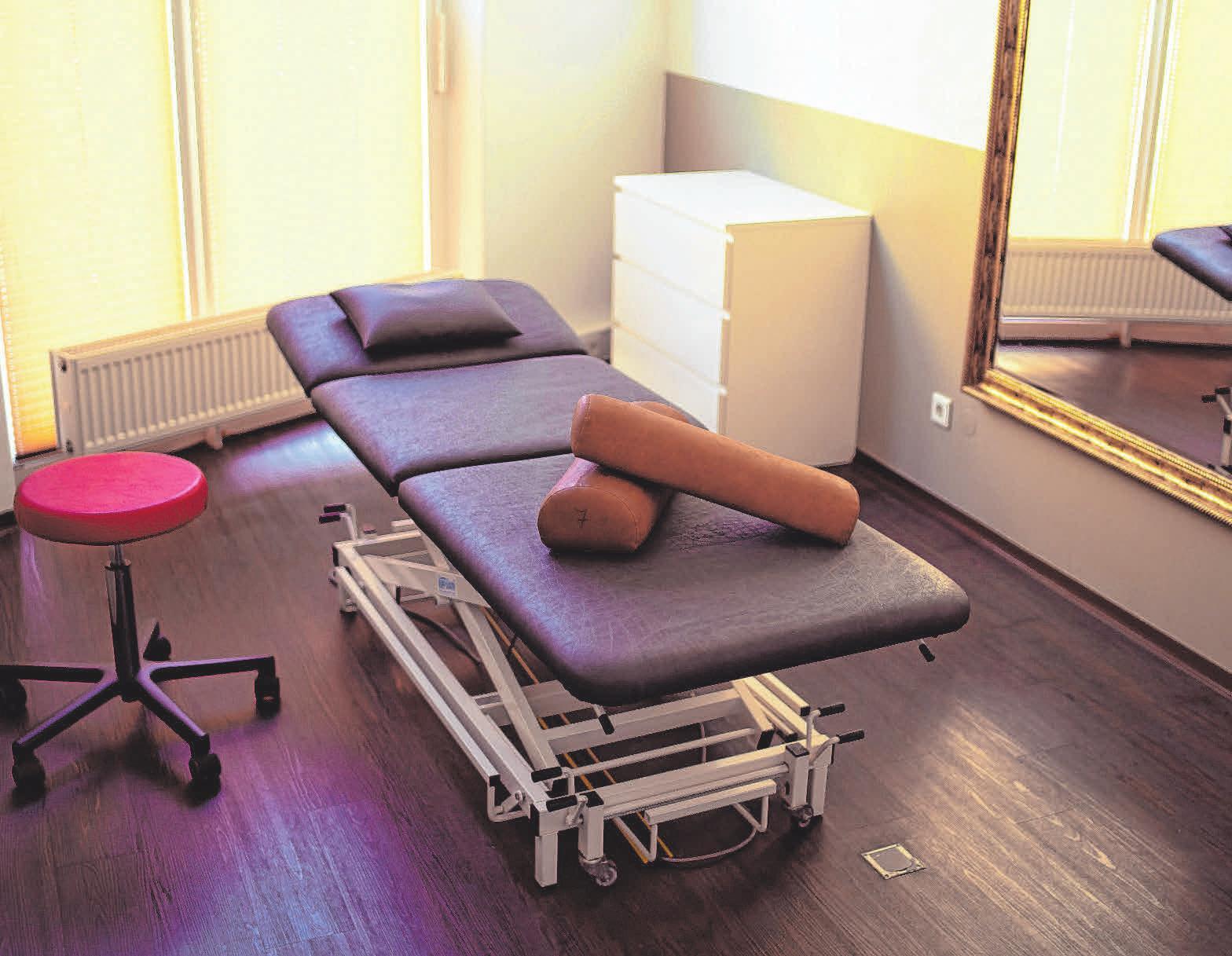 Gemütlich und modern sind die Räume im Achtal Physio Weingarten ausgestattet.