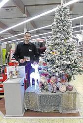 Enrico Pohl-Harder am Wunschtannenbaum