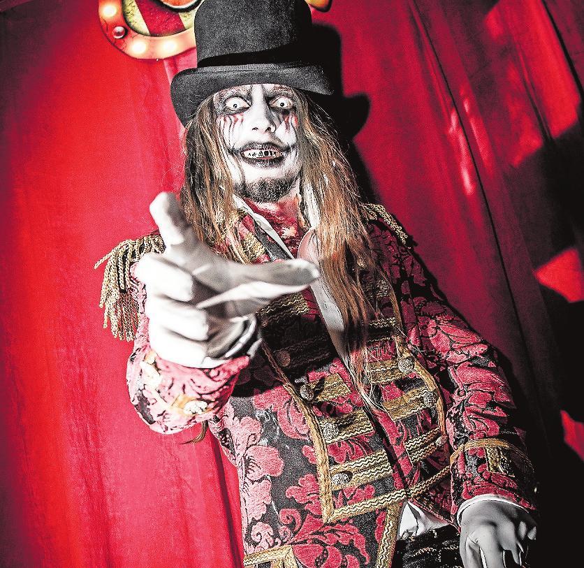 """Gezeichnet von ausgefallenen Experimenten: die Artisten des bankrotten """"Freak Circus'"""". Foto: Holiday Park/frei"""