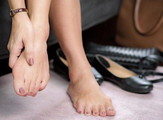Eine der häufigsten Fehlstellungen des Fußes: der Hallux valgus. Bild: myboys.me - stock.adobe.com