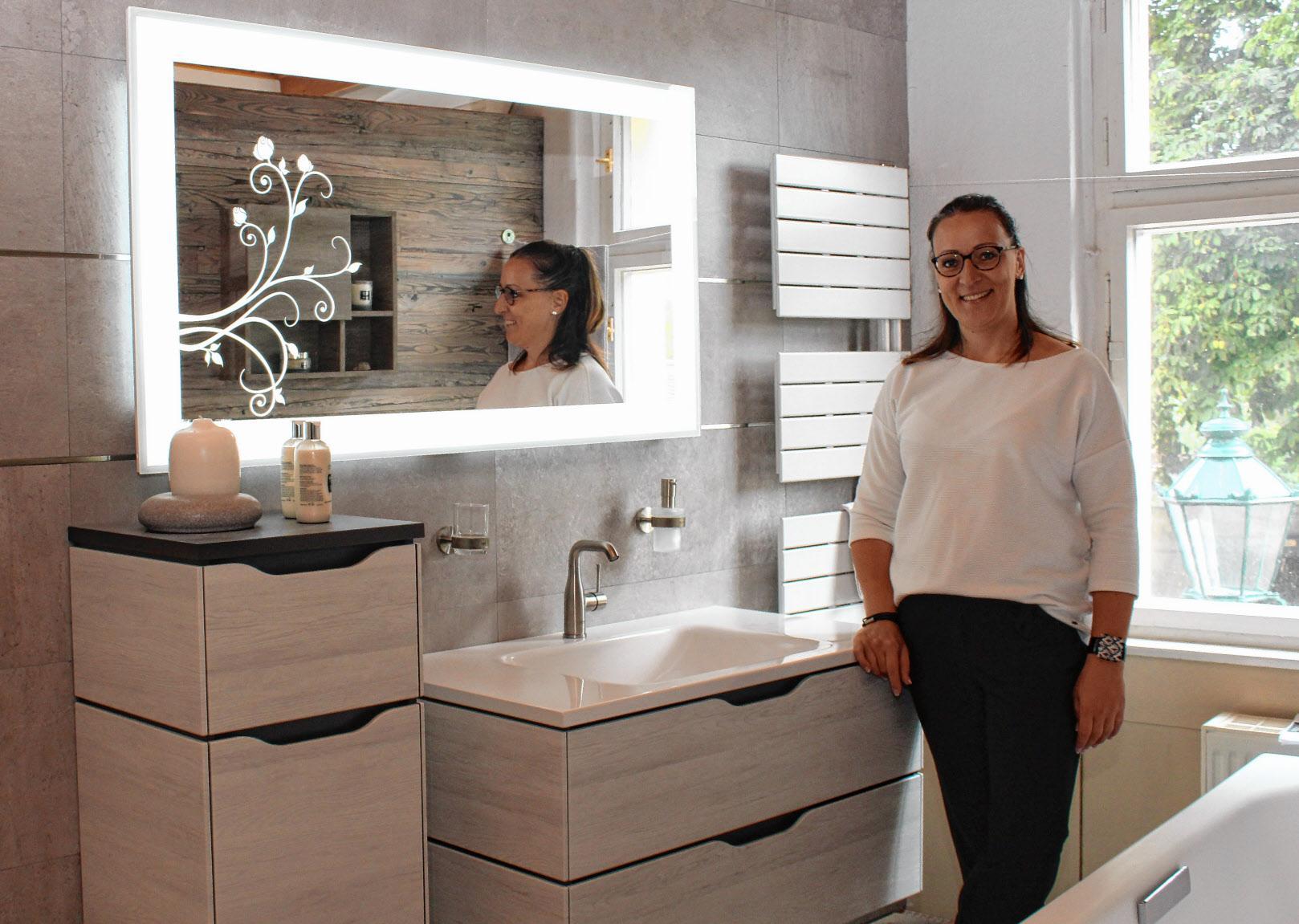 Nicole Munko freut sich, am 21. September ihre neue Badausstellung präsentieren zu können. FOTO: RONNEY MENZE