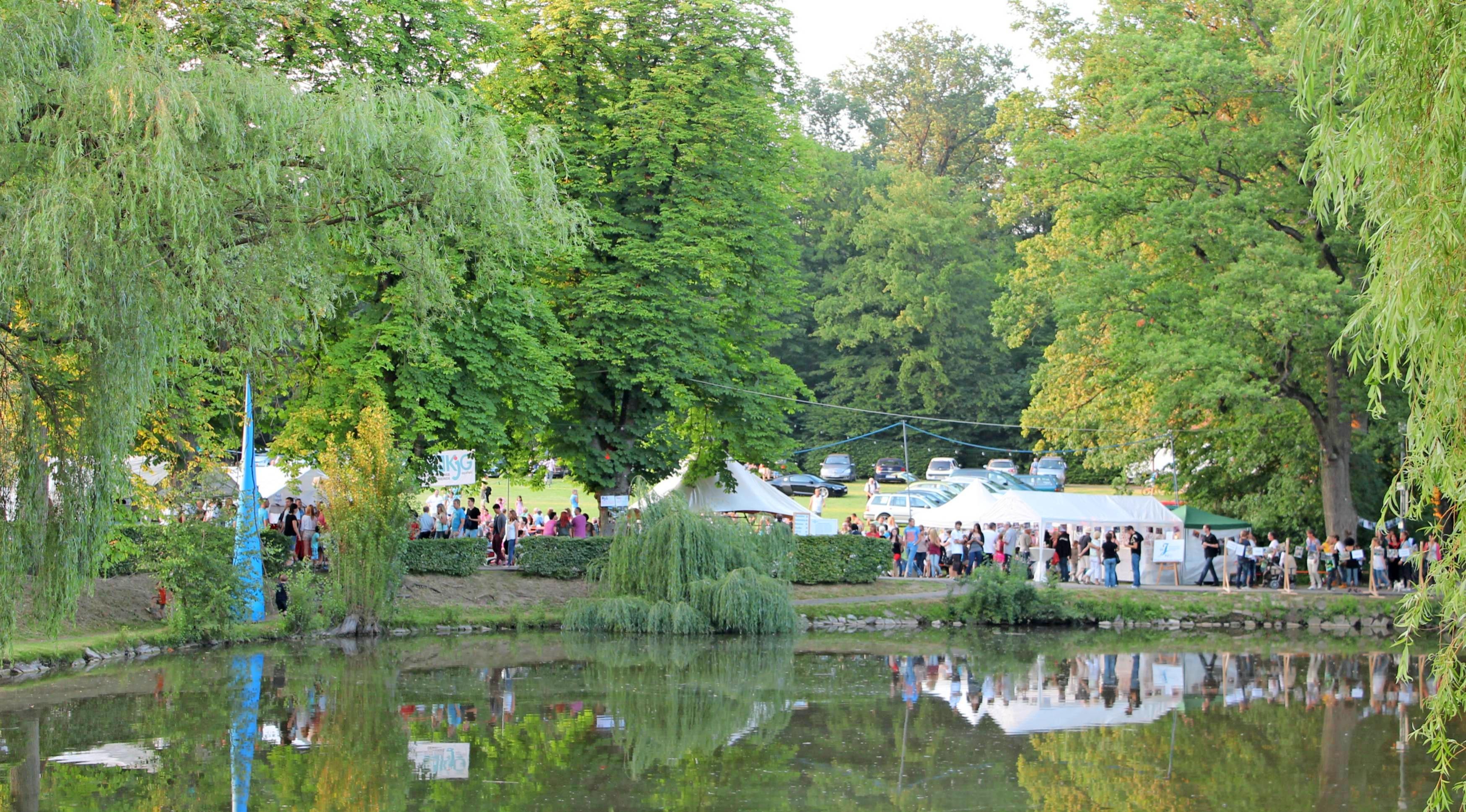 Das Schacht-See-Fest lädt zum Mitmachen und Musik hören, Flanieren und Genießen ein. Das Gelände macht einen großen Teil des Charmes dieser Veranstaltung aus. Foto: Archiv/privat