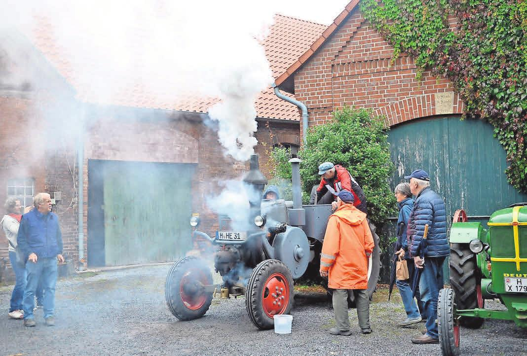 Der Bauernmarkt auf dem Obentrautmarkt ist ein schönes Beispiel für die Zusammenarbeit der beiden Vereine Historische Maschinen sowie Handel und Gewerbe in Seelze (HGS).
