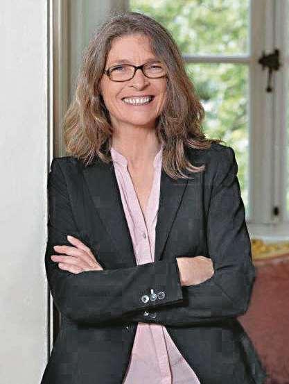 Karen Hagen, Leiterin der Kieler pluss Personalmanagement GmbH, setzt sich mit viel persönlichem Engagement und Herz für ihre Mitarbeiter ein.