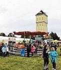 Vergnügungspark und Festzelt laden ein.FOTO: ARCHIV/TH. RUTTKE