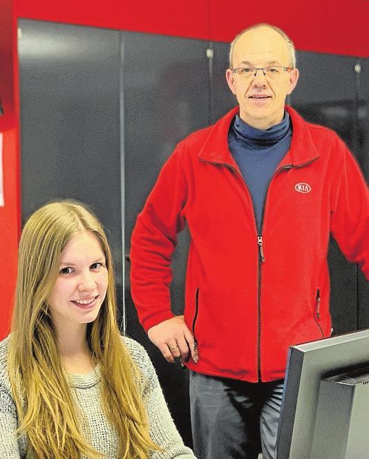 Vanessa Gestmann und Werkstattleiter Angelo Krause. Foto: pr
