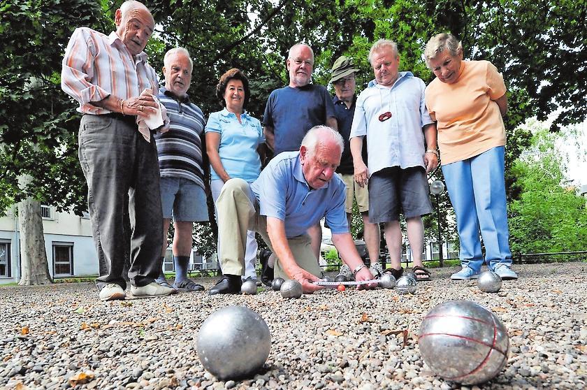 Ob Boulespiel oder Outdoor-Fitnessgeräte – Senioren können sich in Frankenthal wohlfühlen. ARCHIVFOTO: BOLTE