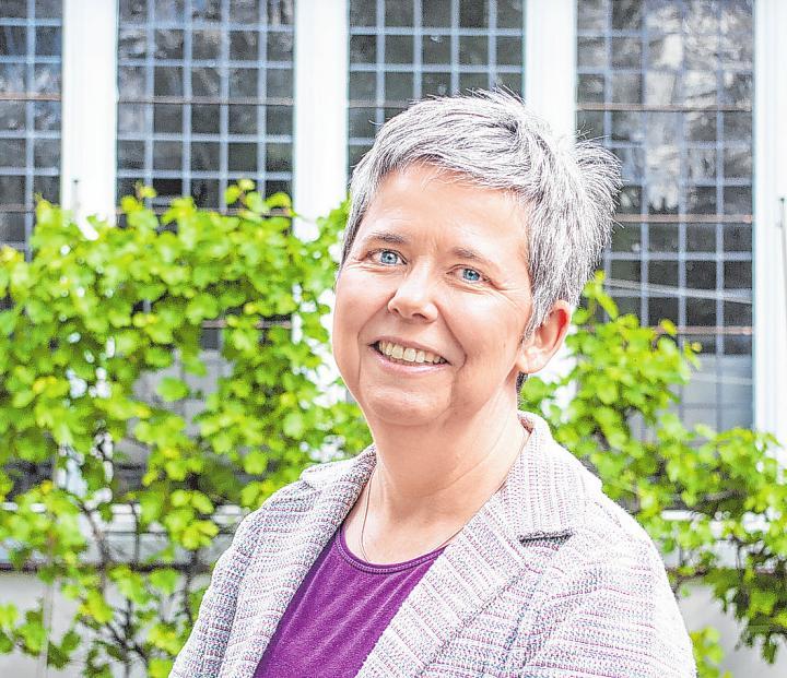 Ulrike Wohlgemuth ist examinierte Krankenschwester und hat sich im Laufe der Jahrzehnte ein enormes Fachwissen zum Thema Hospiz angeeignet Foto: Umsorgt wohnen